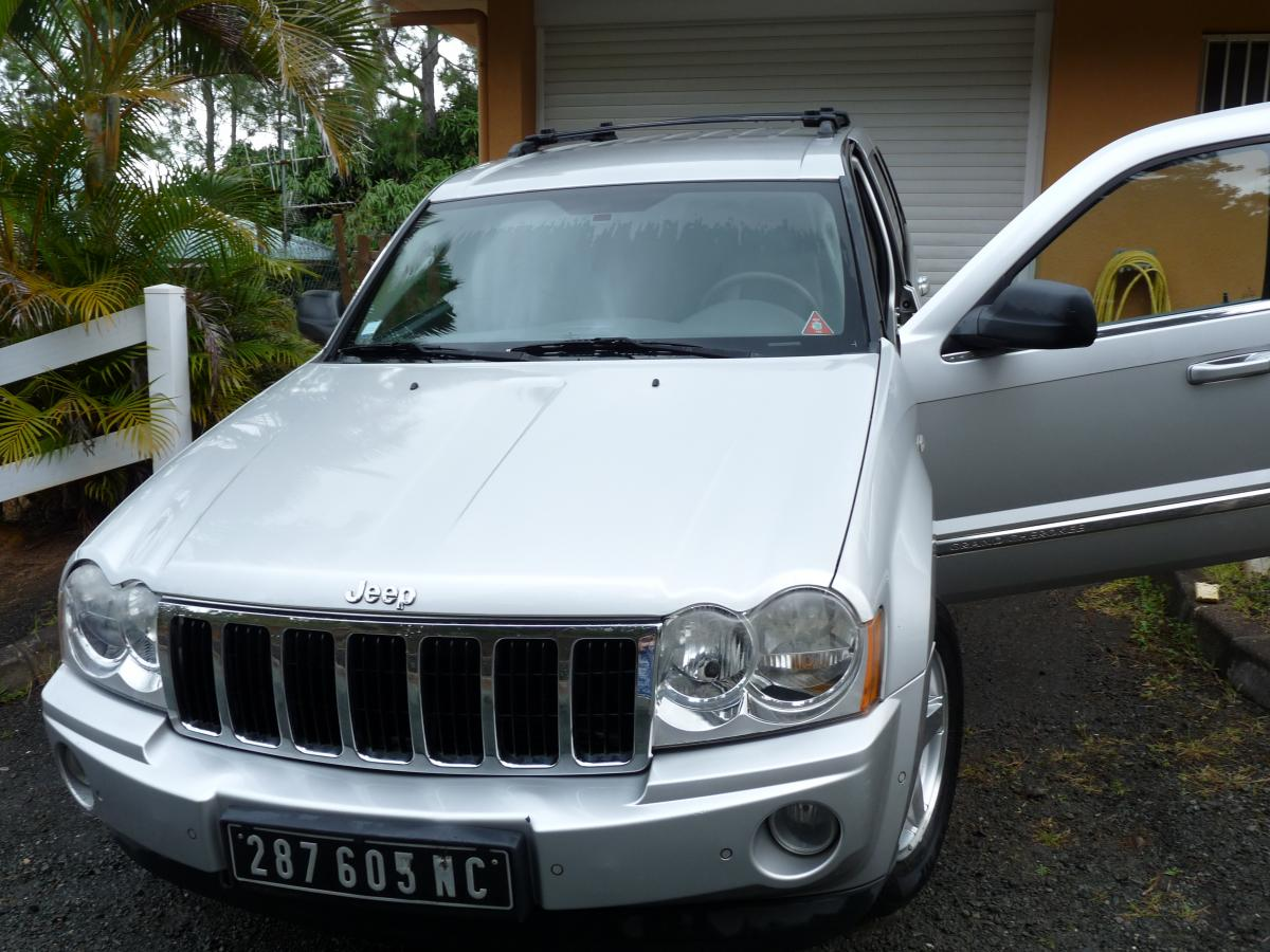 JEEP GRAND CHEROKEE GRIS METALLISE
